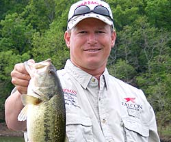 Oklahoma Lake Tenkiller fishing guide Rocky Thomas Jr.